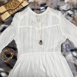 White embroidered Dress 💘